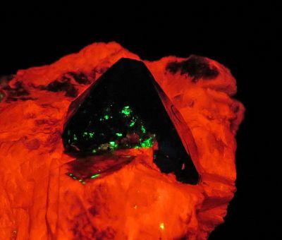 Franklinite on Calcite (ex Gerstmann Museum in Franklin)