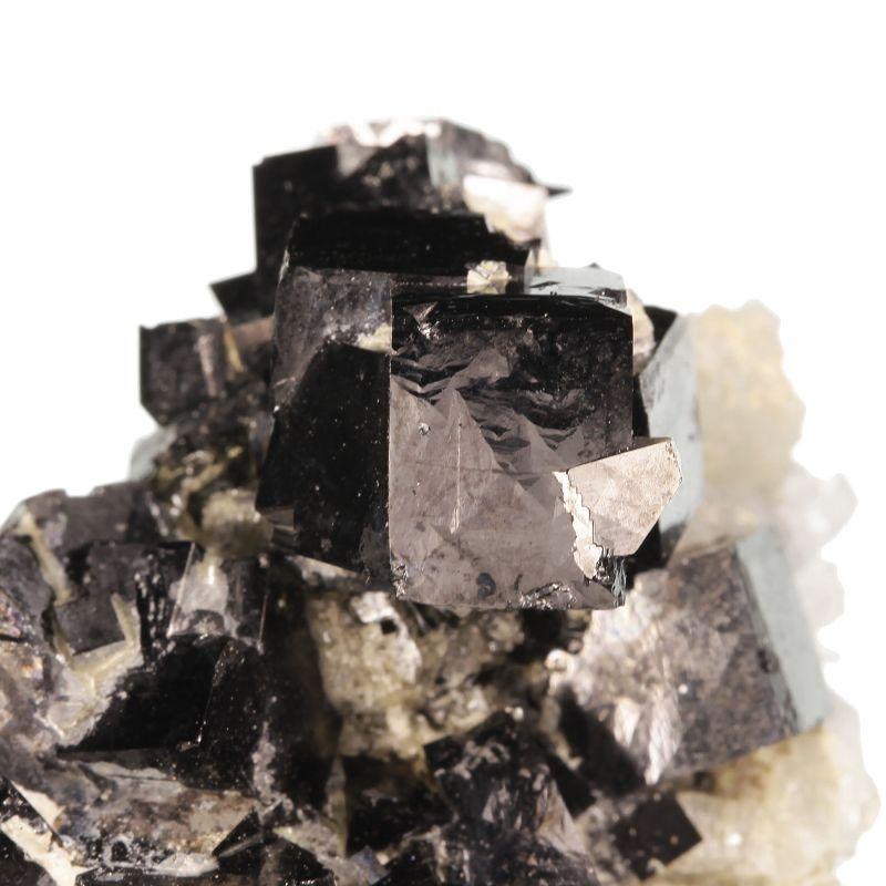 Magnetite (rare cubic habit)