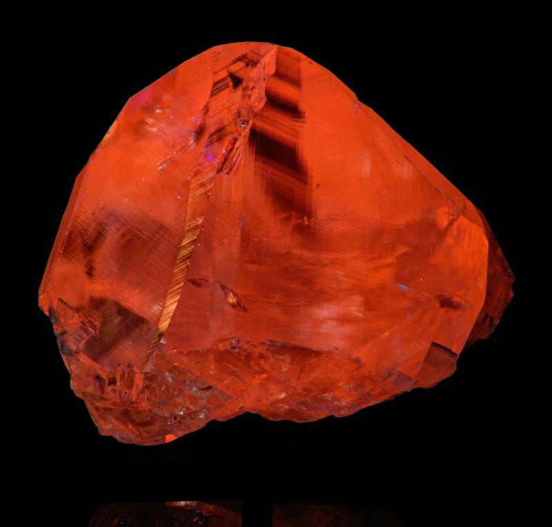 Calcite (fluorescent) var. Manganoan