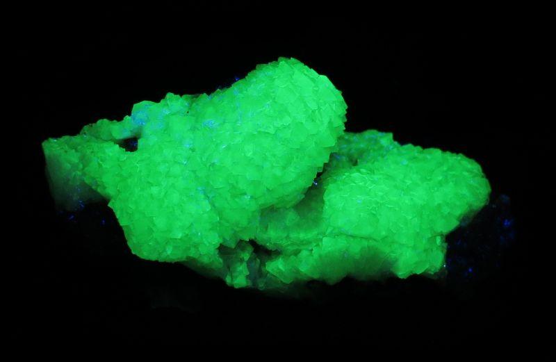 Adamite (fluorescent! - classic material)