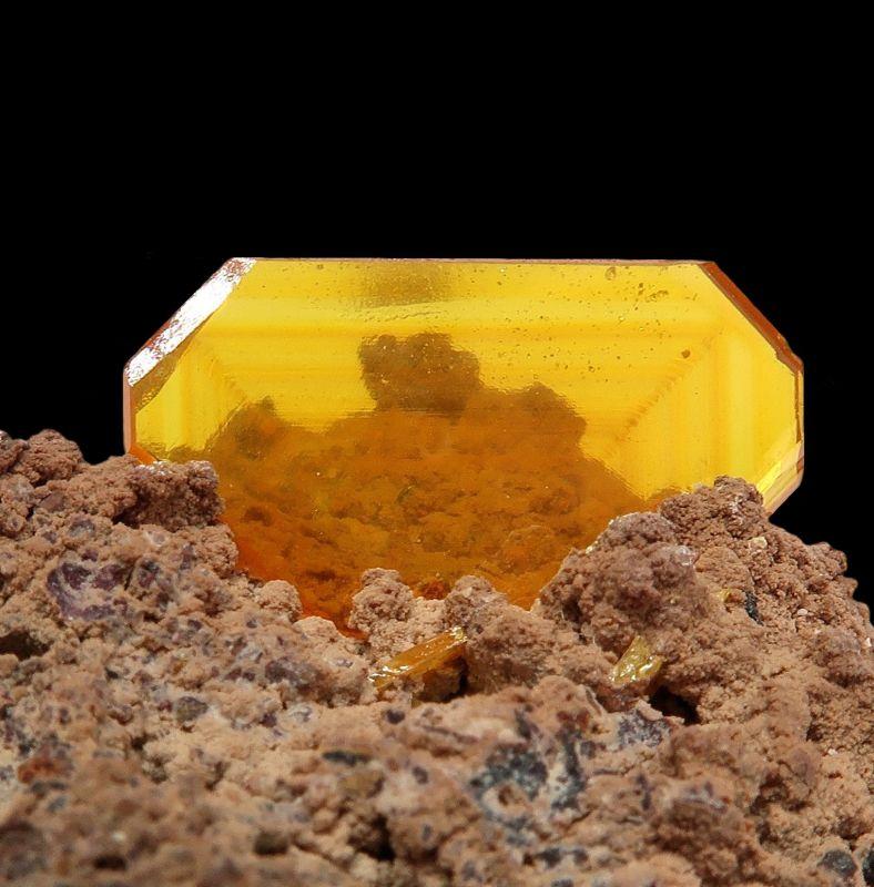 Wulfenite GEM crystal - old locale