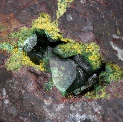 Zincolivenite and Tsumcorite