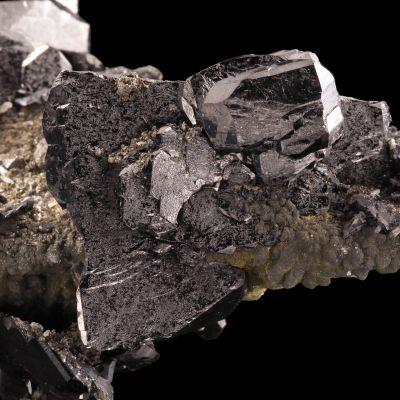 Ferberite with rare micro Bismutite