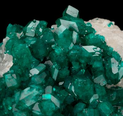 Dioptase on Calcite  (type locality)