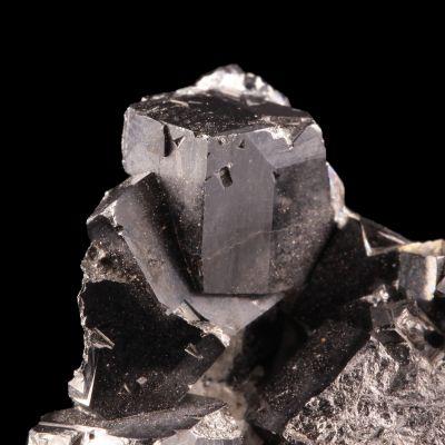 Magnetite (rare cubic form)