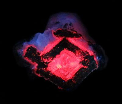 Unusual Manganoan Calcite (fluorescent) Weaver Coll.